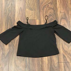 Black off the shoulder shirt ✨